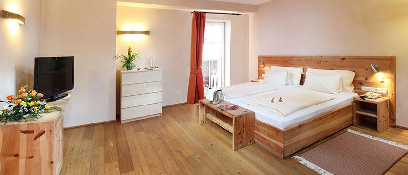 Hotel Tyrol & Alpenhof, Seefeld, Austria - bedroom interior.jpg